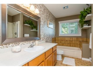 """Photo 13: 2317 OLYMPIA Place in Abbotsford: Abbotsford East House for sale in """"McMillan"""" : MLS®# R2282055"""