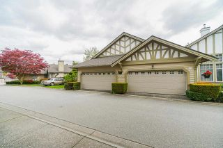 """Photo 4: 25 5221 OAKMOUNT Crescent in Burnaby: Oaklands Townhouse for sale in """"SEASONS BY THE LAKE"""" (Burnaby South)  : MLS®# R2573570"""