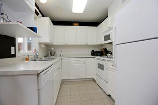 """Photo 4: 9 9486 WOODBINE Street in Chilliwack: Chilliwack E Young-Yale Townhouse for sale in """"Villa Rosa"""" : MLS®# R2257582"""