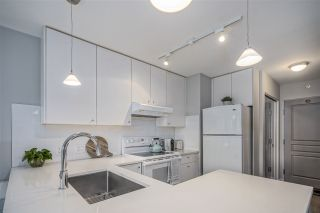 Photo 8: 703 819 HAMILTON STREET in Vancouver: Yaletown Condo for sale (Vancouver West)  : MLS®# R2542171
