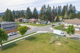 Photo 6: 748 MACINTOSH Street in Coquitlam: Central Coquitlam House for sale : MLS®# R2454628