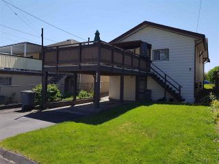 Photo 15: 2867 CAMBRIDGE Street in Vancouver: Hastings East House for sale (Vancouver East)  : MLS®# R2213998