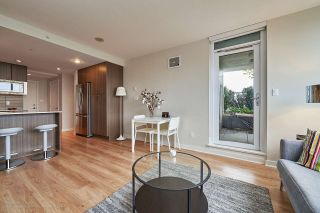 """Photo 6: 505 125 COLUMBIA Street in New Westminster: Downtown NW Condo for sale in """"NORTHBANK"""" : MLS®# R2158737"""