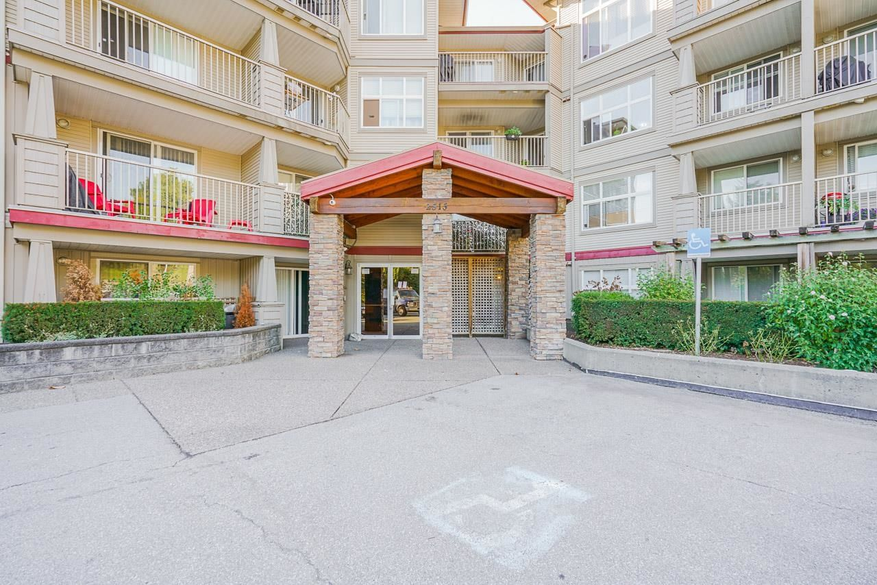 """Photo 2: Photos: 119 2515 PARK Avenue in Abbotsford: Abbotsford East Condo for sale in """"VIVA"""" : MLS®# R2617997"""