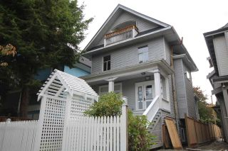 Photo 1: 624 E 11TH Avenue in Vancouver: Mount Pleasant VE House for sale (Vancouver East)  : MLS®# R2413732