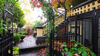 """Photo 16: 366 W 10TH Avenue in Vancouver: Mount Pleasant VW Townhouse for sale in """"TURNBULL'S WATCH"""" (Vancouver West)  : MLS®# R2610302"""