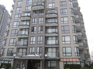 """Photo 1: 603 838 AGNES Street in New Westminster: Downtown NW Condo for sale in """"Westminster Towers"""" : MLS®# R2430621"""
