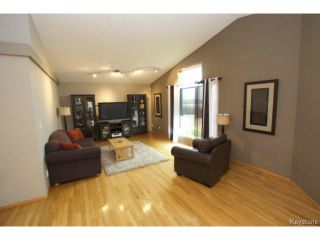 Photo 8: 100 Brian Monkman Bay in WINNIPEG: Windsor Park / Southdale / Island Lakes Residential for sale (South East Winnipeg)  : MLS®# 1415599