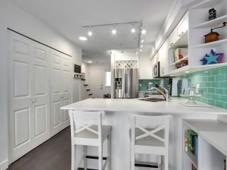 """Photo 8: 210 2545 W BROADWAY Avenue in Vancouver: Kitsilano Townhouse for sale in """"Trafalgar Mews"""" (Vancouver West)  : MLS®# R2590394"""