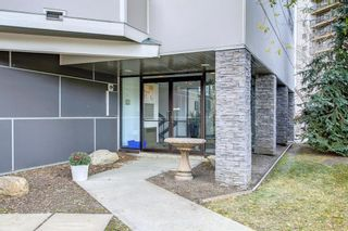 Photo 2: 203 59 Glamis Drive SW in Calgary: Glamorgan Apartment for sale : MLS®# A1149436