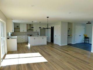 Photo 9: 36 Ho Hum Crescent: Rural Sturgeon County House for sale : MLS®# E4258451