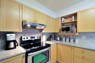 """Photo 3: 405 6735 STATION HILL Court in Burnaby: South Slope Condo for sale in """"THE COURTYARDS"""" (Burnaby South)  : MLS®# R2149958"""