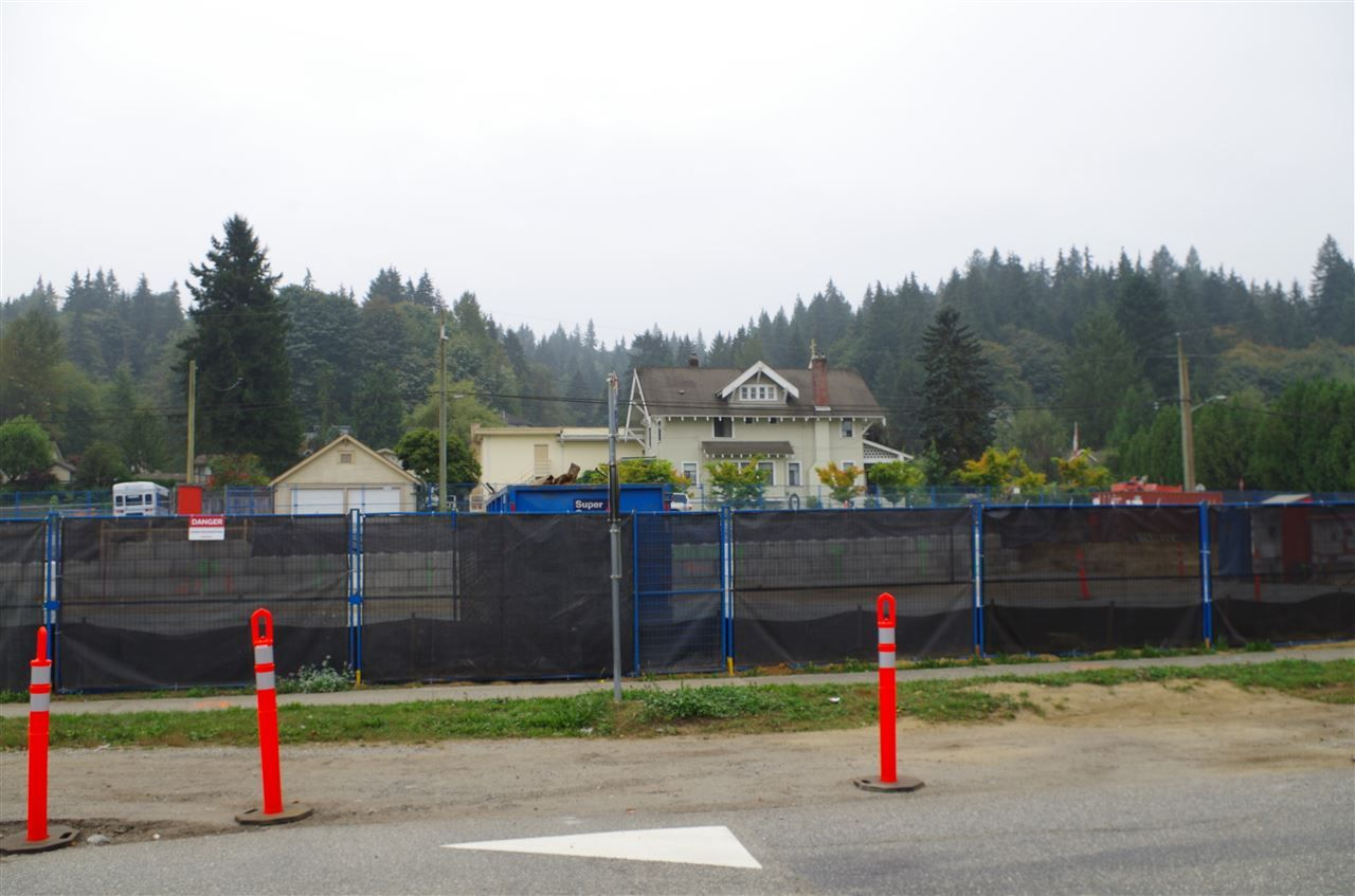 Photo 4: Photos: 2818 ST GEORGE Street in Port Moody: Port Moody Centre Land for sale : MLS®# R2501859
