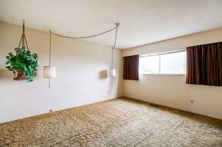 """Photo 21: 3636 DALEBRIGHT Drive in Burnaby: Government Road House for sale in """"Government Road Area"""" (Burnaby North)  : MLS®# R2500214"""
