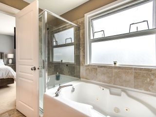 """Photo 31: 19094 70 Avenue in Surrey: Clayton House for sale in """"CLAYTON"""" (Cloverdale)  : MLS®# R2472956"""