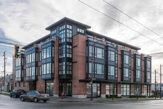 "Photo 1: 311 2008 E 54TH Avenue in Vancouver: Fraserview VE Condo for sale in ""CEDAR 54"" (Vancouver East)  : MLS®# R2232716"