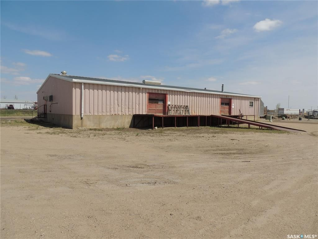 Main Photo: 202 6th Street in Estevan: Eastend Commercial for sale : MLS®# SK838832