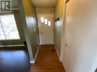 Photo 5: 571 3 Avenue SE in Three Hills: House for sale : MLS®# A1105212