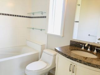 "Photo 12: 303 15357 ROPER Avenue: White Rock Condo for sale in ""Regency Court"" (South Surrey White Rock)  : MLS®# R2478208"