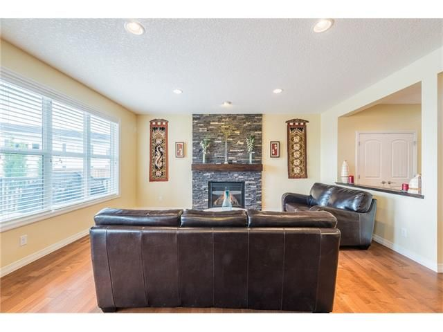 Photo 10: Photos: 151 evansdale Common NW in Calgary: Evanston House for sale : MLS®# C4064810