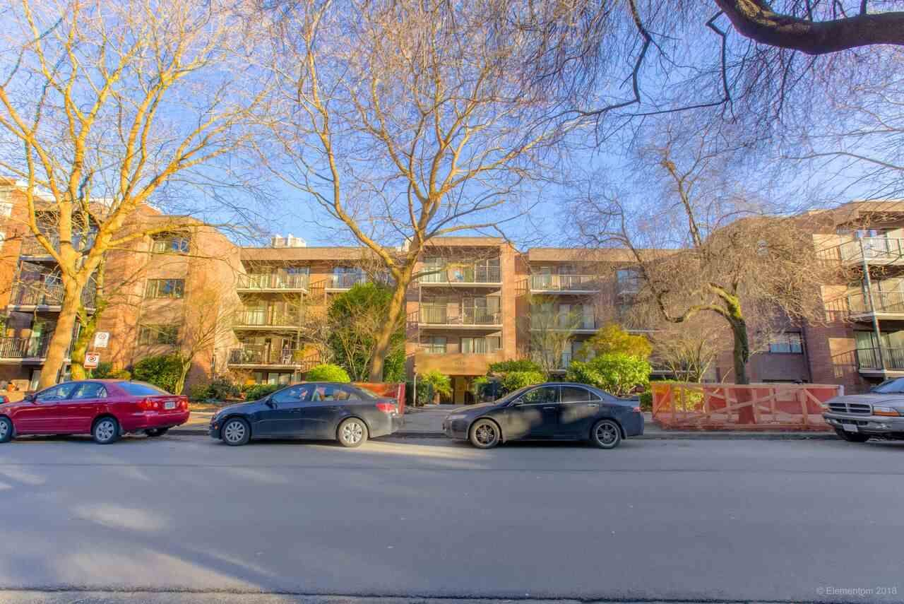 """Main Photo: 402 1655 NELSON Street in Vancouver: West End VW Condo for sale in """"HEMPSTEAD MANOR"""" (Vancouver West)  : MLS®# R2330394"""