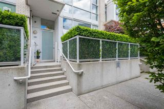 """Photo 2: 168 BOATHOUSE Mews in Vancouver: Yaletown Townhouse for sale in """"Marinaside Resort"""" (Vancouver West)  : MLS®# R2587224"""