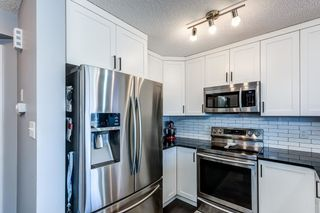 Photo 5: 525 EBBERS Way in Edmonton: Zone 02 House Half Duplex for sale : MLS®# E4241528