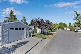"""Photo 27: 39 2345 CRANLEY Drive in Surrey: King George Corridor Manufactured Home for sale in """"LA MESA"""" (South Surrey White Rock)  : MLS®# R2601872"""