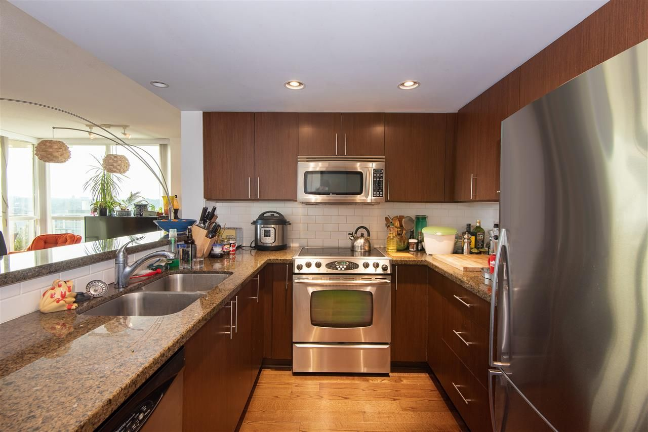 "Photo 5: Photos: 1703 125 MILROSS Avenue in Vancouver: Mount Pleasant VE Condo for sale in ""Creekside"" (Vancouver East)  : MLS®# R2350677"