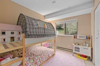 """Photo 13: 915 BRITTON Drive in Port Moody: North Shore Pt Moody Townhouse for sale in """"WOODSIDE VILLAGE"""" : MLS®# R2554809"""
