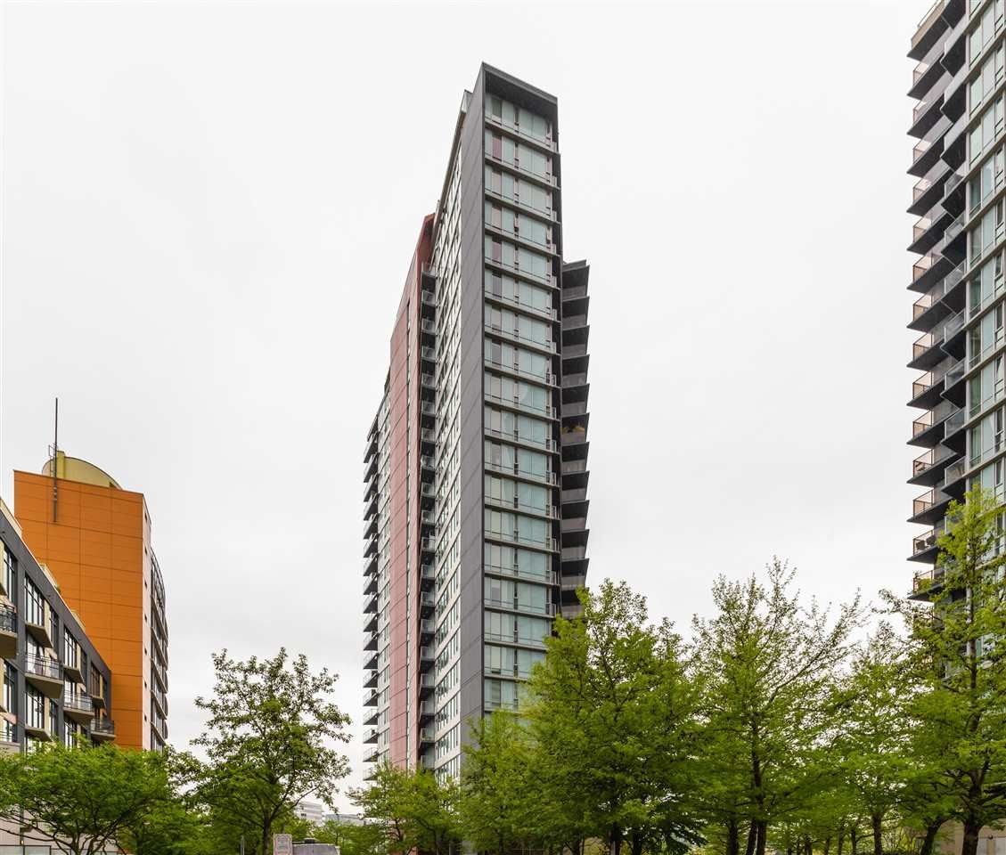 """Main Photo: 1802 8 SMITHE Mews in Vancouver: Yaletown Condo for sale in """"Flagship"""" (Vancouver West)  : MLS®# R2577399"""
