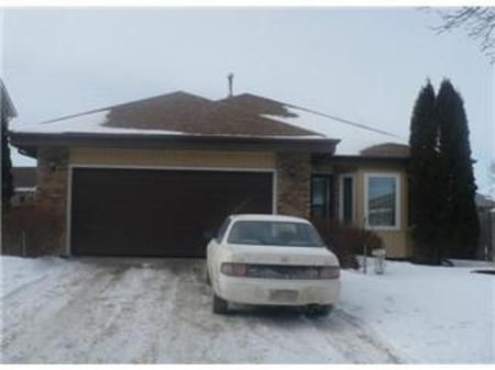 Main Photo: 23 OLFORD Crescent in Winnipeg: Residential for sale (Canada)  : MLS®# 1201386