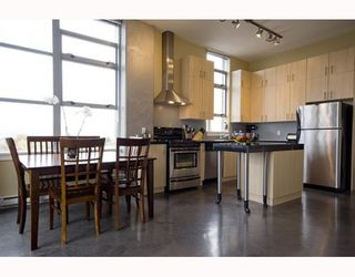 """Photo 7: 412 2635 PRINCE EDWARD Street in Vancouver: Mount Pleasant VE Condo for sale in """"SOMA LOFTS"""" (Vancouver East)  : MLS®# V793823"""