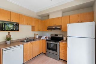 """Photo 6: 42 8383 159 Street in Surrey: Fleetwood Tynehead Townhouse for sale in """"Avalon Wood"""" : MLS®# R2593896"""