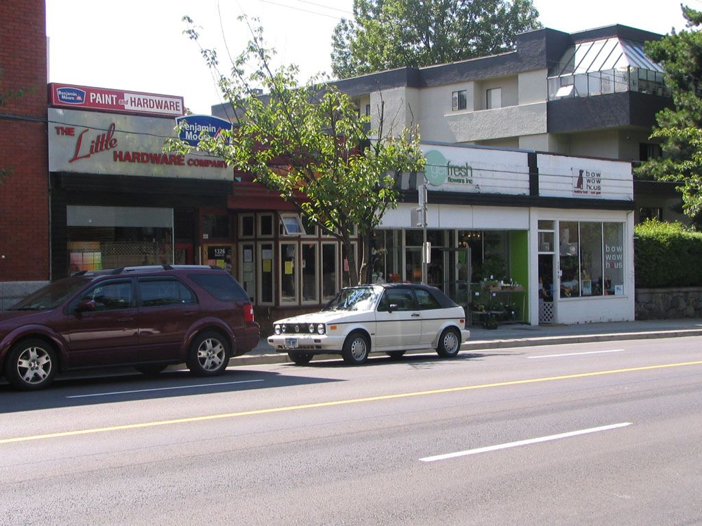 Photo 2: Photos: 1332 Davie St. in Vancouver: Home for lease