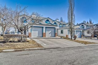 Photo 2: 907 Citadel Heights NW in Calgary: Citadel Row/Townhouse for sale : MLS®# A1088960