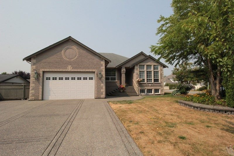 """Main Photo: 4623 224 Street in Langley: Murrayville House for sale in """"Murrayville"""" : MLS®# R2208365"""