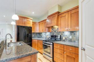 Photo 15: 2214 Broadview Road NW in Calgary: West Hillhurst Semi Detached for sale : MLS®# A1042467