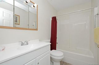 Photo 12: 24 Eagle Lane in VICTORIA: VR Glentana Manufactured Home for sale (View Royal)  : MLS®# 775804
