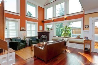 Photo 2: 1983 Watson St in VICTORIA: SE Camosun House for sale (Saanich East)  : MLS®# 605207