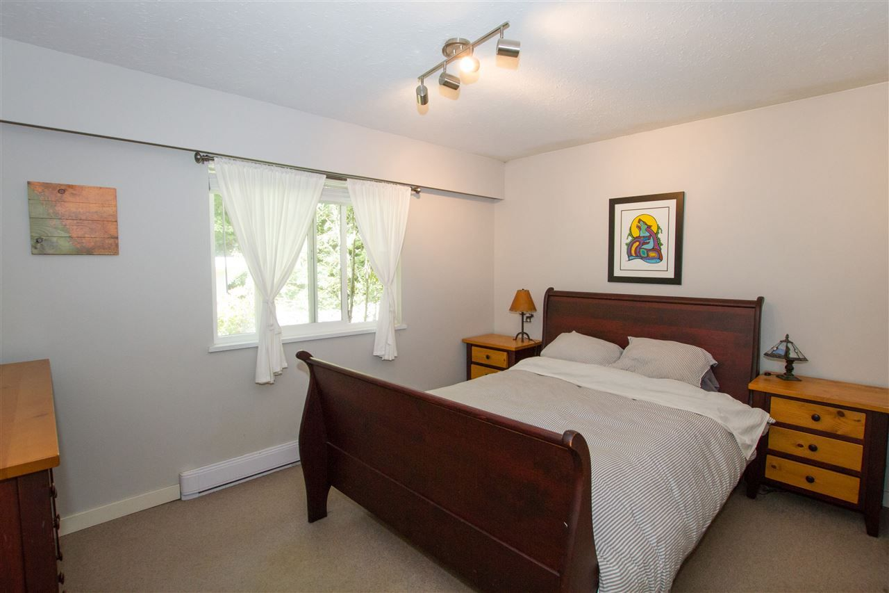 Photo 11: Photos: 41929 ROSS Road in Squamish: Brackendale House for sale : MLS®# R2514201