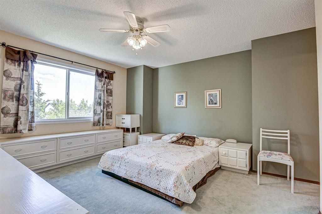 Photo 16: Photos: 127 Bridlewood Circle SW in Calgary: Bridlewood Detached for sale : MLS®# A1123607