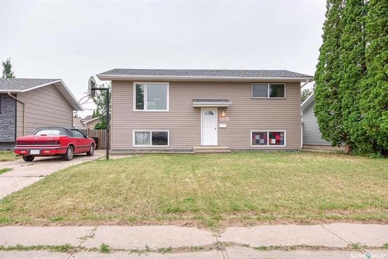 FEATURED LISTING: 1535 Hastings Street Moose Jaw