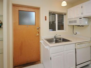 Photo 9: 1392 Rockland Ave in Victoria: Residential for sale (203)  : MLS®# 283459