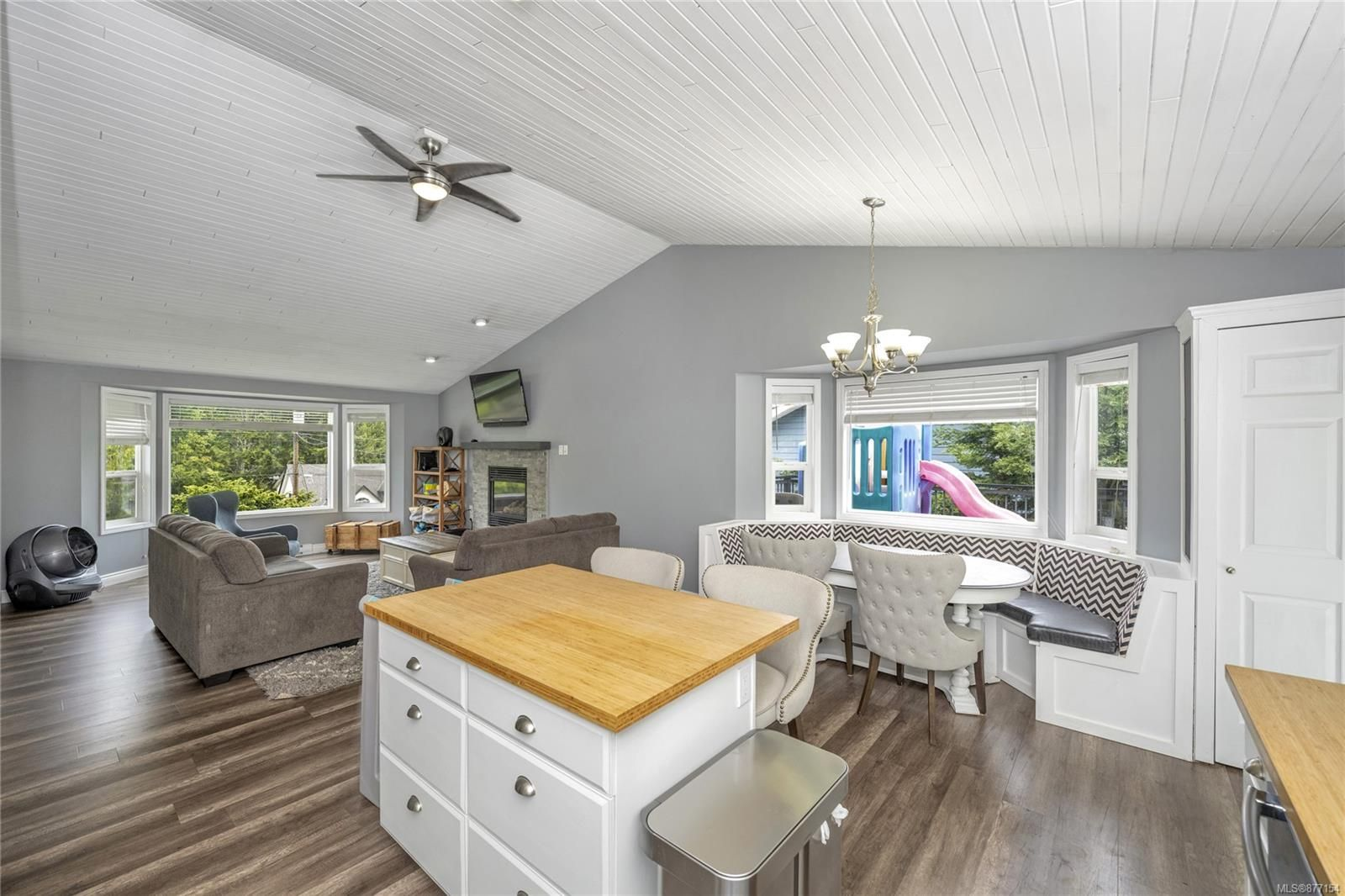 Photo 8: Photos: 2376 Terrace Rd in : ML Shawnigan House for sale (Malahat & Area)  : MLS®# 877154