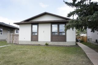 Main Photo: 96 Bedford Drive NE in Calgary: Beddington Heights Detached for sale : MLS®# A1111088