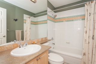 """Photo 18: 6167 W BOUNDARY Drive in Surrey: Panorama Ridge Townhouse for sale in """"LAKEWOOD GARDENS IN BOUNDARY PARK"""" : MLS®# R2133410"""