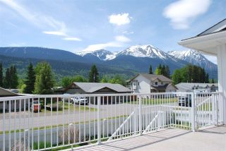 Photo 2: 4912 4TH Avenue in Smithers: Smithers - Town House for sale (Smithers And Area (Zone 54))  : MLS®# R2245998
