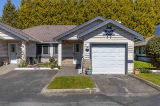 """Photo 1: 8 5550 LANGLEY Bypass in Langley: Langley City Townhouse for sale in """"RIVERWYNDE"""" : MLS®# R2565492"""