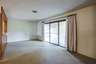 Photo 4: EAST ESCONDIDO House for sale : 3 bedrooms : 2042 Lee Dr. in Escondido